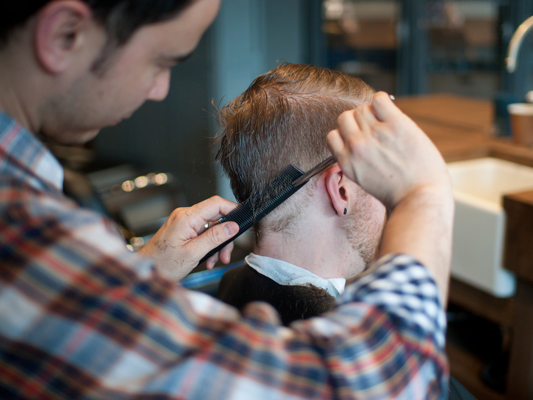 4-things-every-guy-should-tell-his-barber-when-he-gets-a-haircut