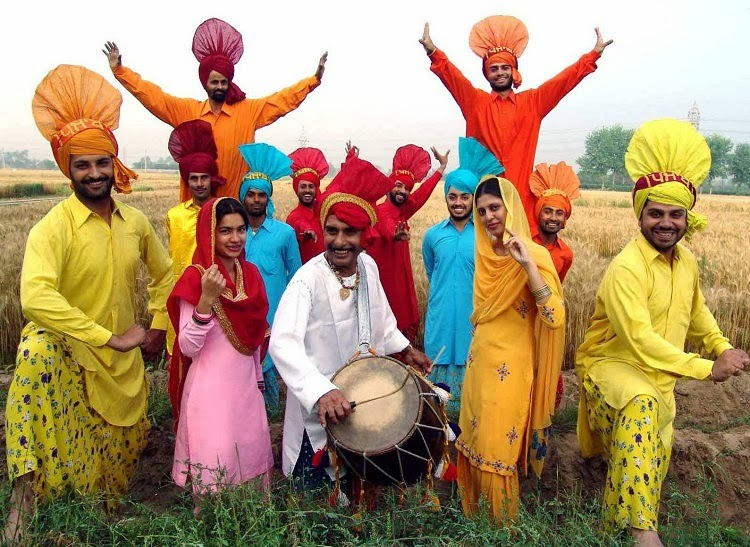 Traditional Bhangra Costumes for men and women in Punjab