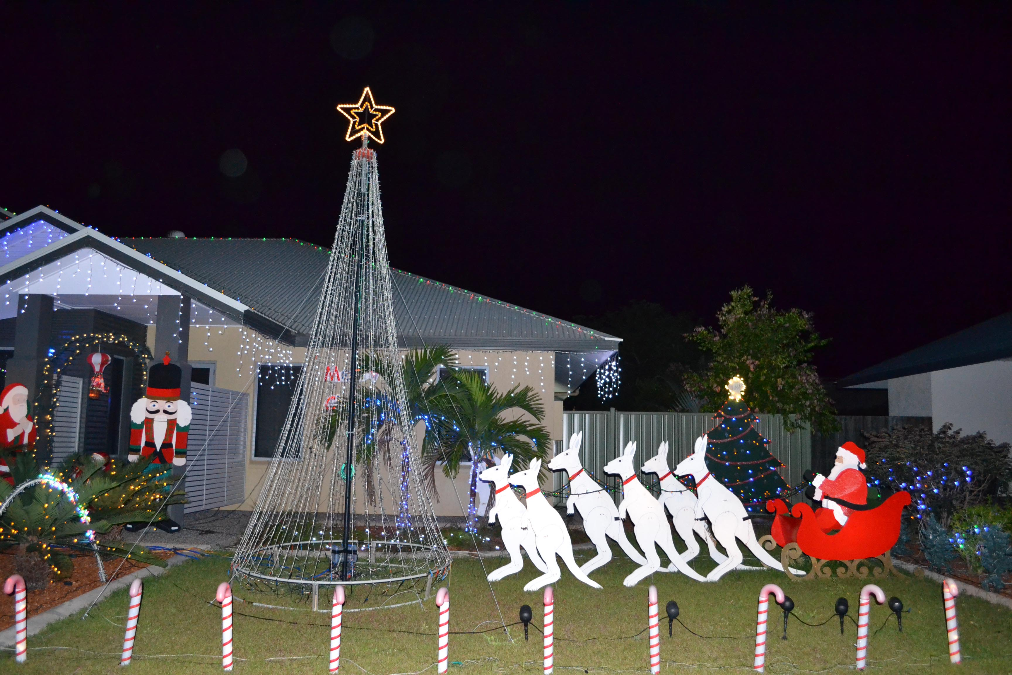 8 unique ways christmas is celebrated around the globe for Australian christmas decoration