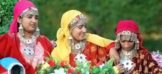 kashmiri-traditional-dress