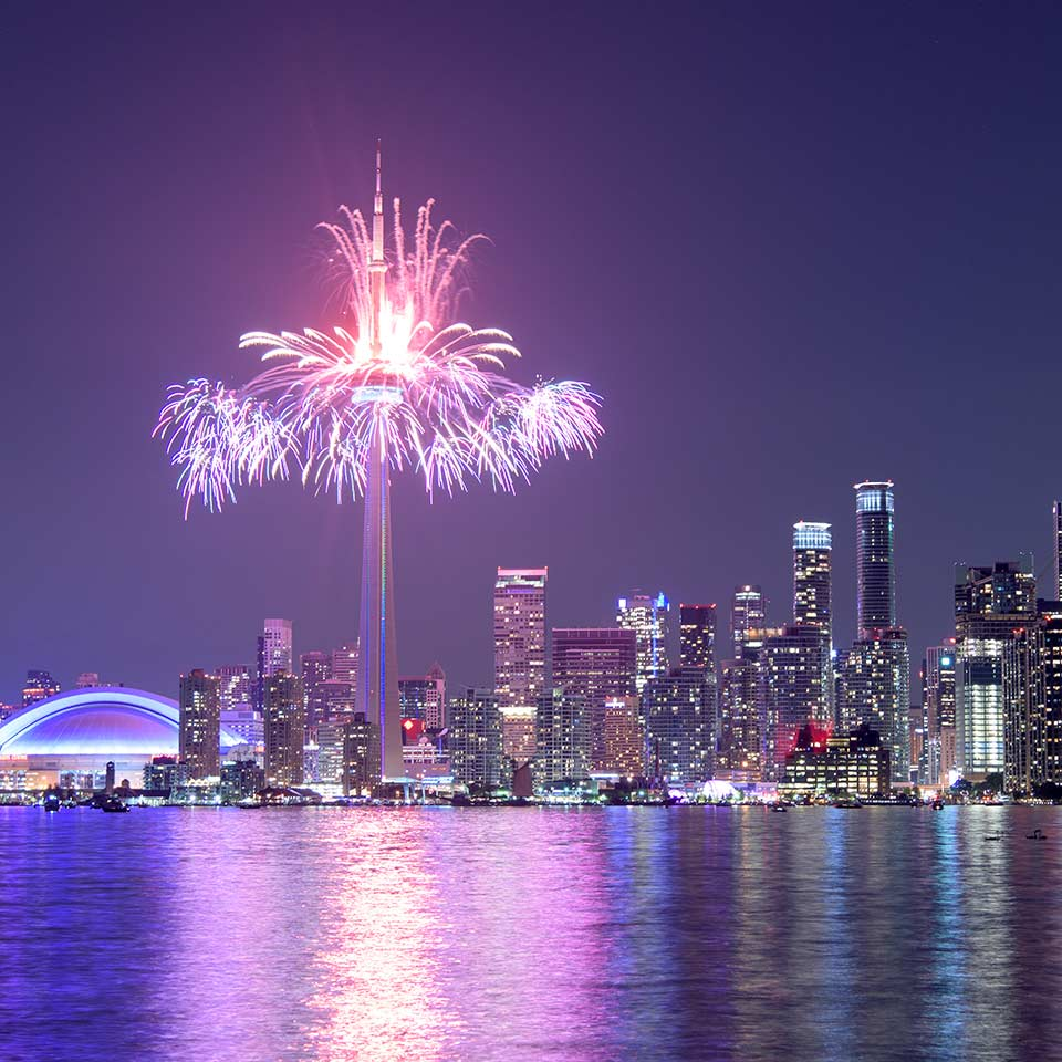 Amazing Places Canada: Top 6 Places In Toronto Travelers Simply Can't Miss Out